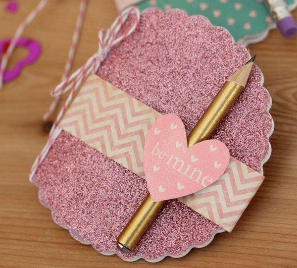 Glitter MIni Notebook Favor with Fiskars Fuse   Damask Love Blog