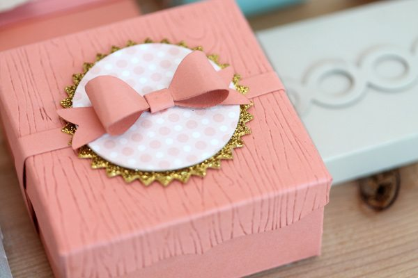 Simply Crafty: Gift Packaging Woodgrain Box Close | Damask Love Blog