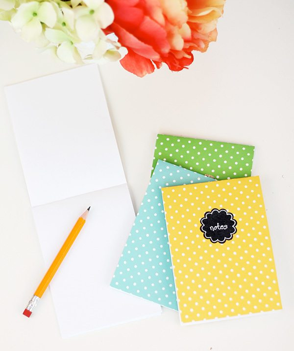 Easy Like Sunday Morning: Folded Notecard Notebooks | Damask Love