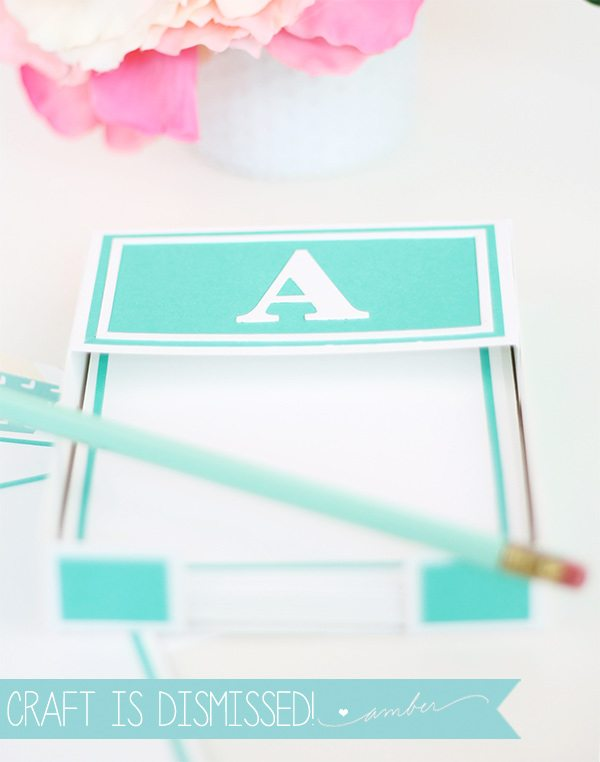 Dress up your desk with just a piece of cardstock! Handcrafted Stationery Tray | Damask Love