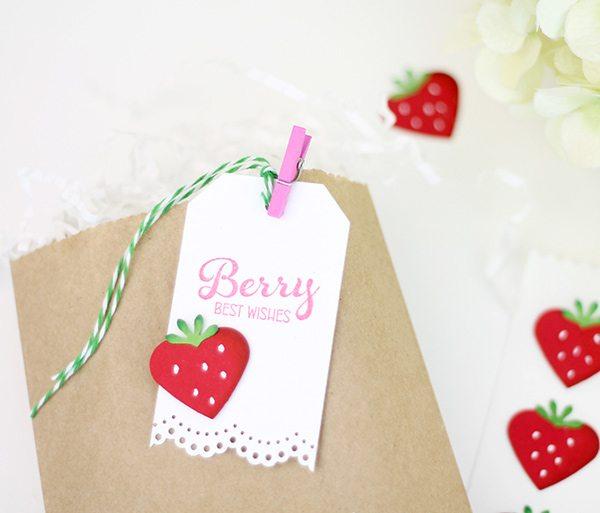 Easy Like Sunday Morning: Paper Strawberries | Damask Love