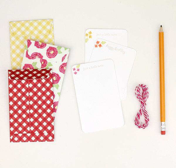 Easy Like Sunday Morning: Seed Packet Envelopes