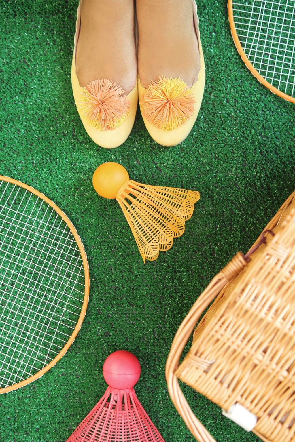 DIY Koosh Ball Shoe Clips   Damask Love
