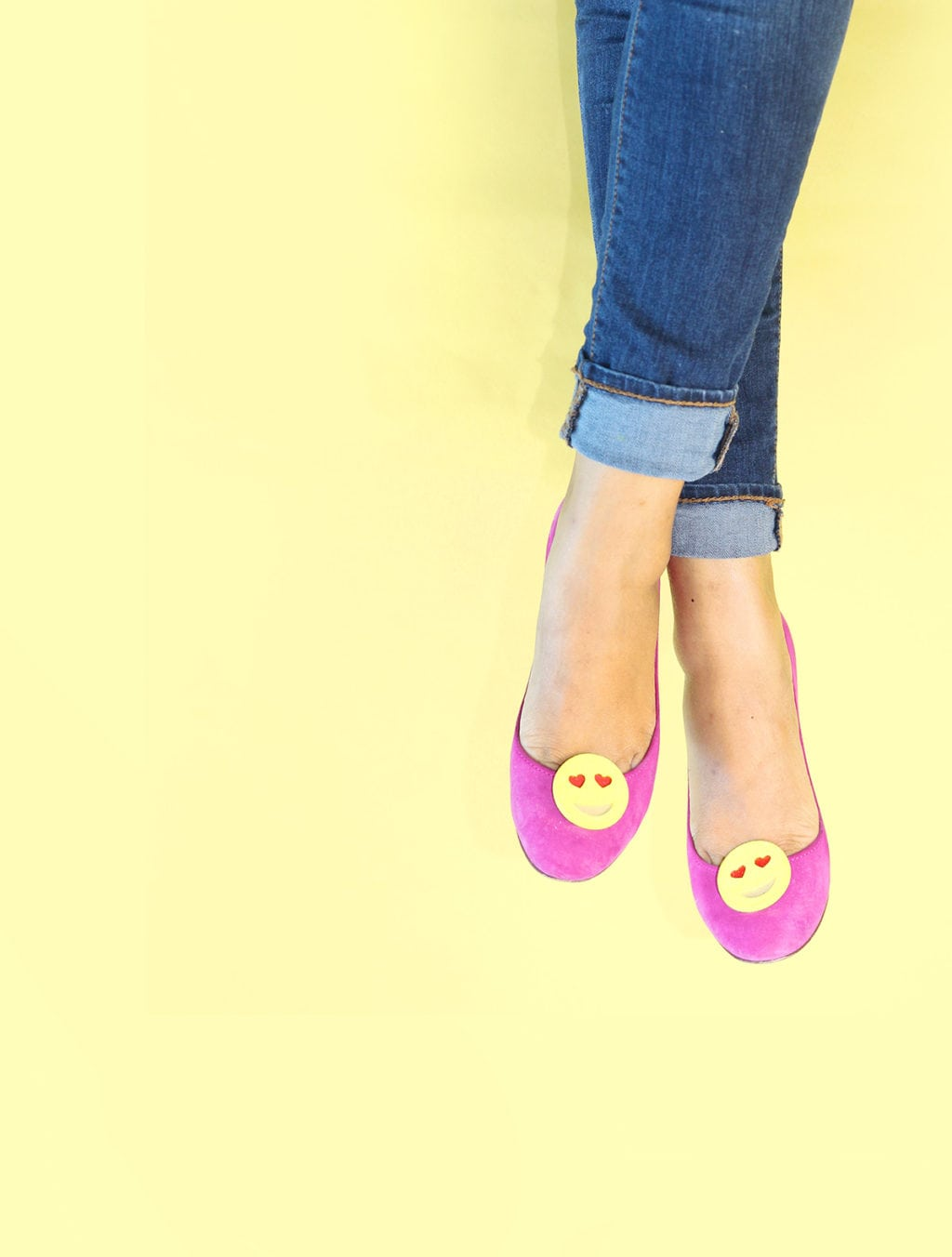 DIY Emoji Shoe Clips | damask love