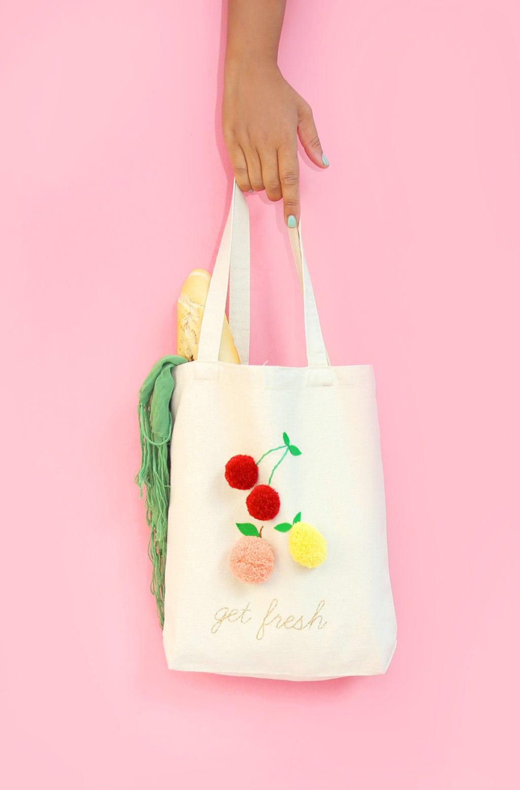 DIY Fruit Pom Pom Tote |damask love
