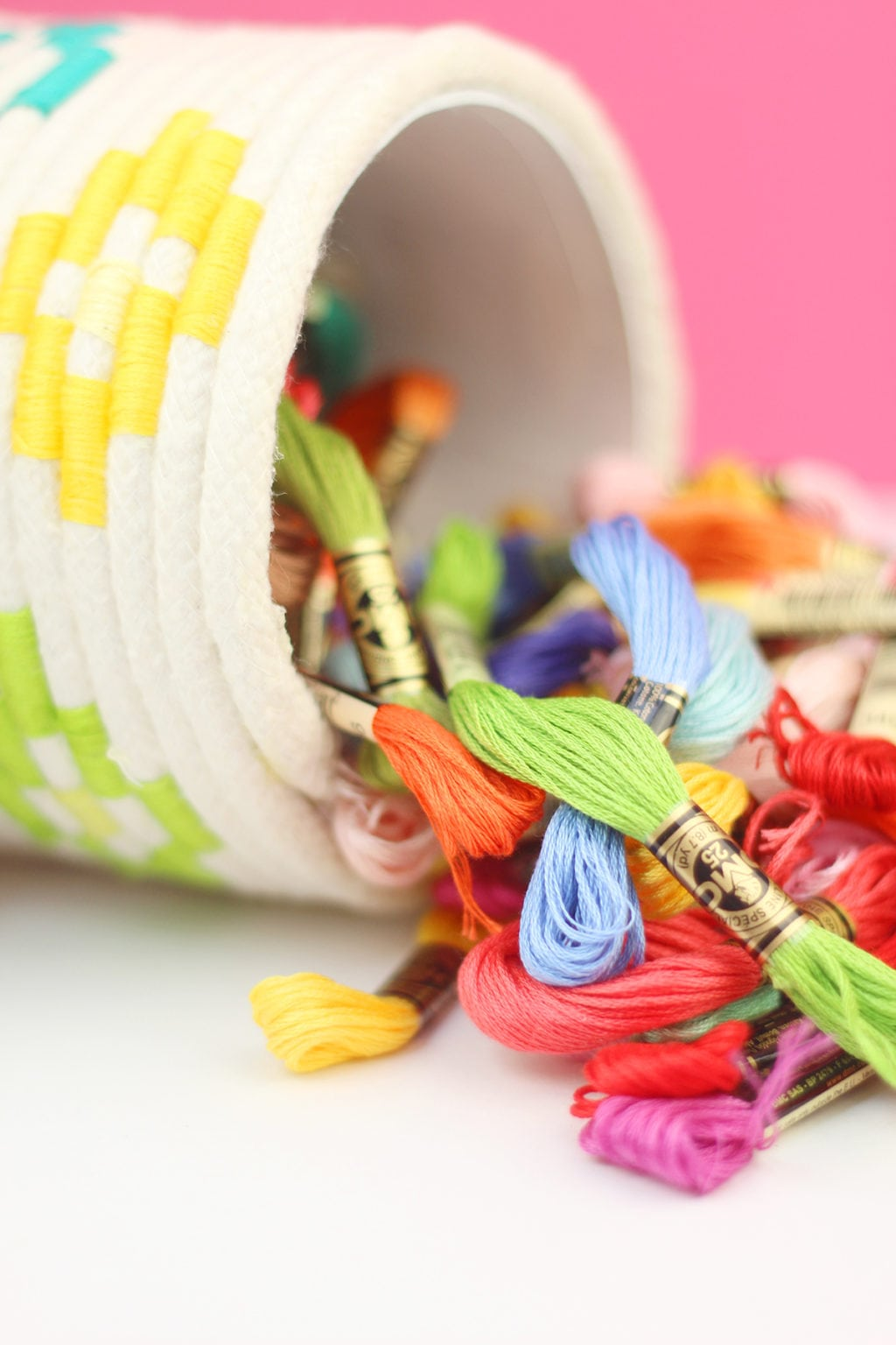DIY Wrapped Rope Container   damask love