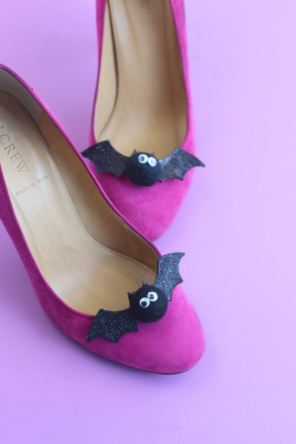 DIY Bat Shoe Clips | damask love