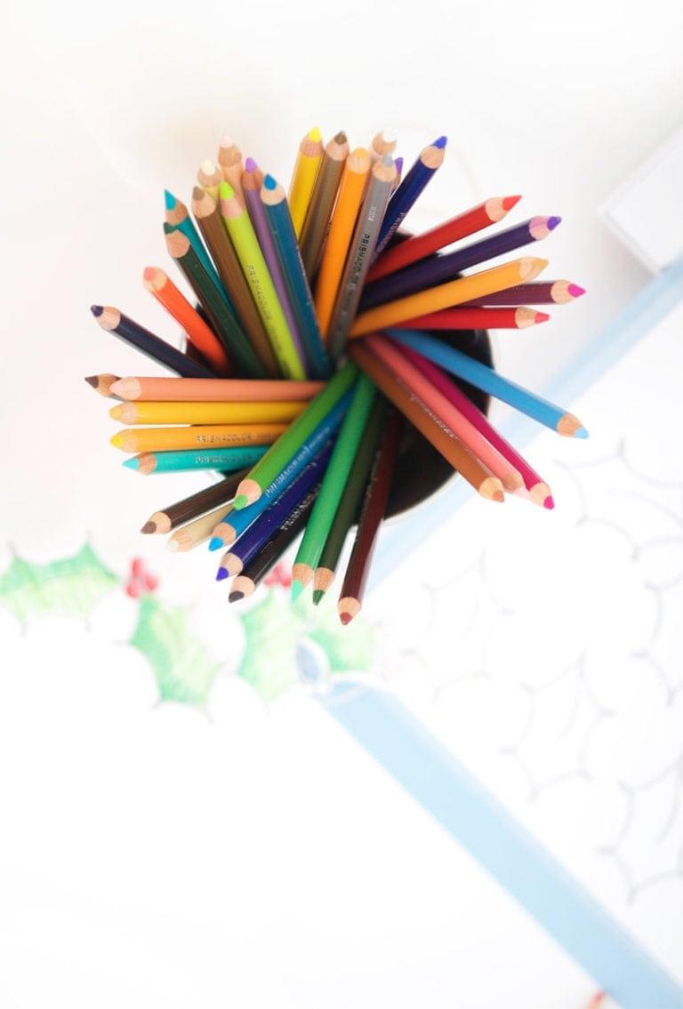DIY Christmas Coloring Table