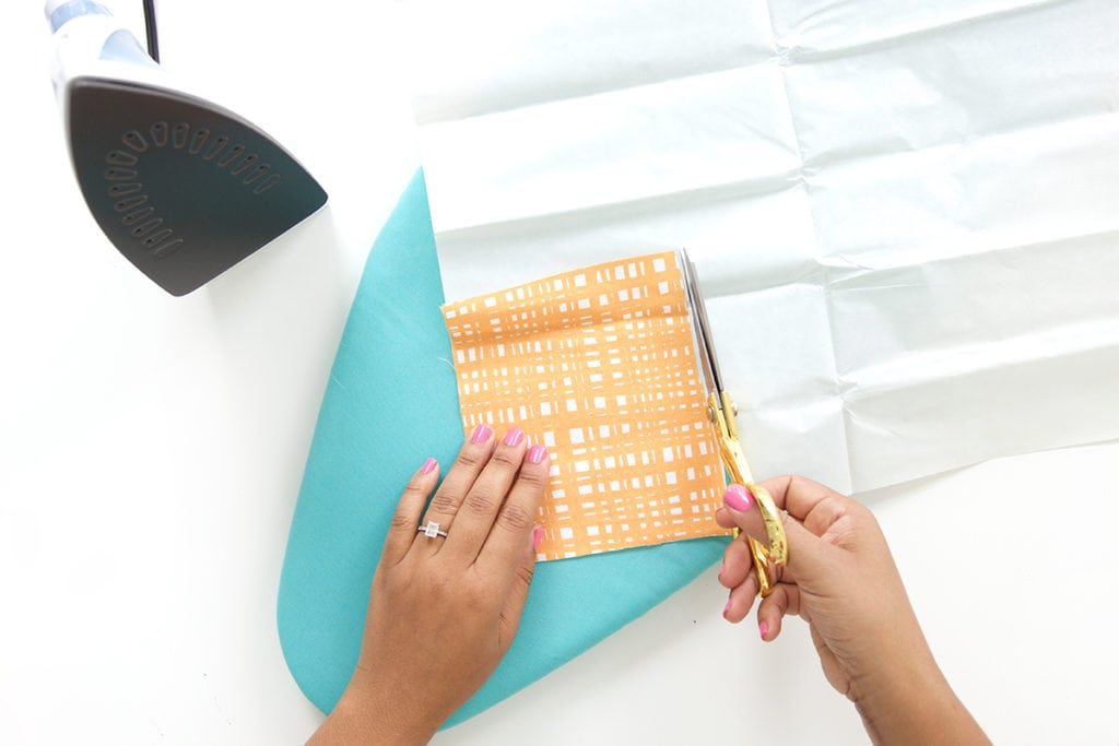 Use fabric scraps to create beautiful textured DIY Fabric Stationery. A great project for beginner crafters who love beautiful stationery and cards.