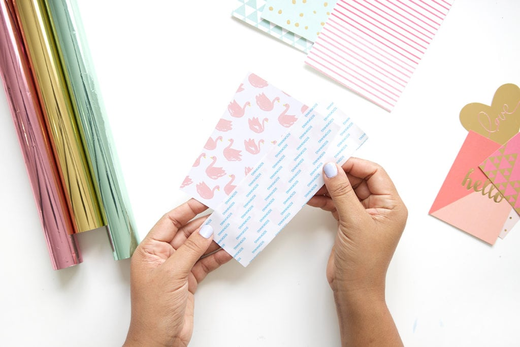 Create your own easy diy foiled stationery  that rivals anything you can get at the store. It's quick and uses basic crafting supplies.
