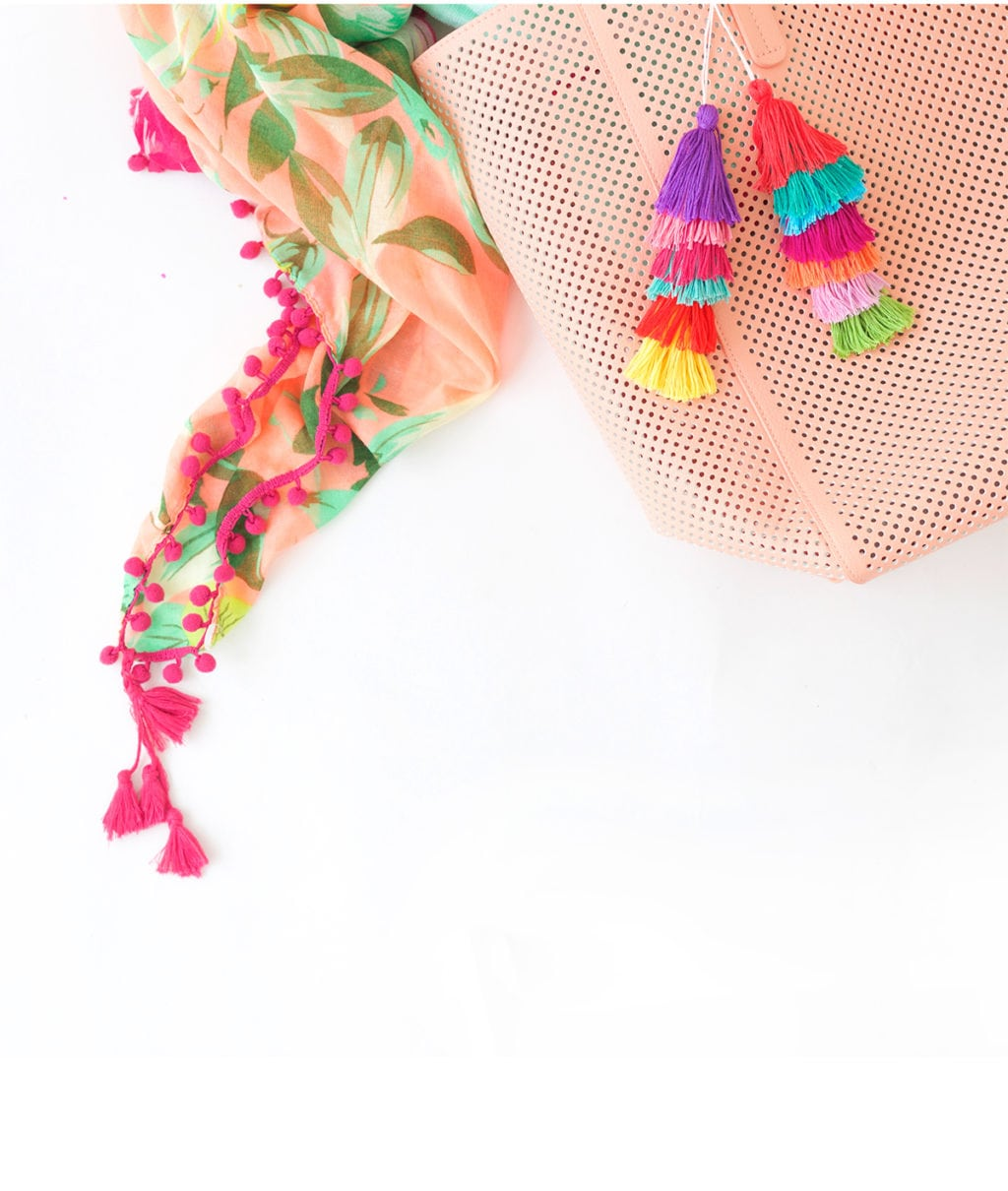 Use embroidery floss to create bold DIY tiered tassels for your beach tote.