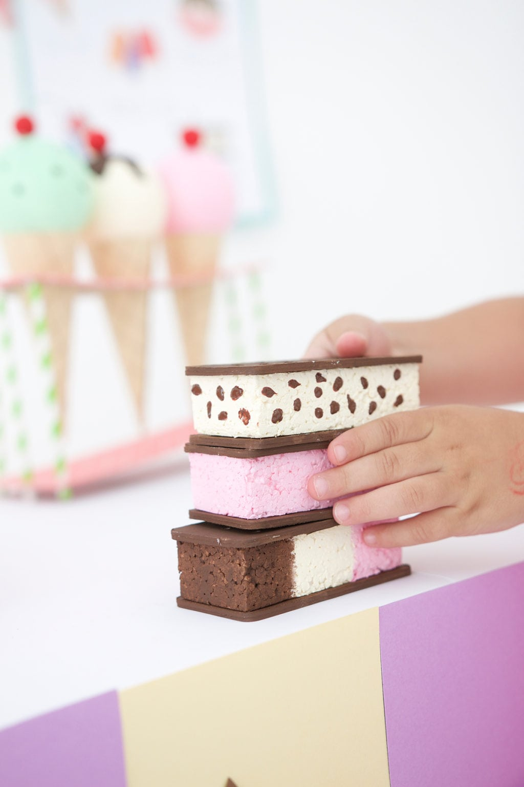 DIY Cardboard Box Ice Cream Cart | damask love