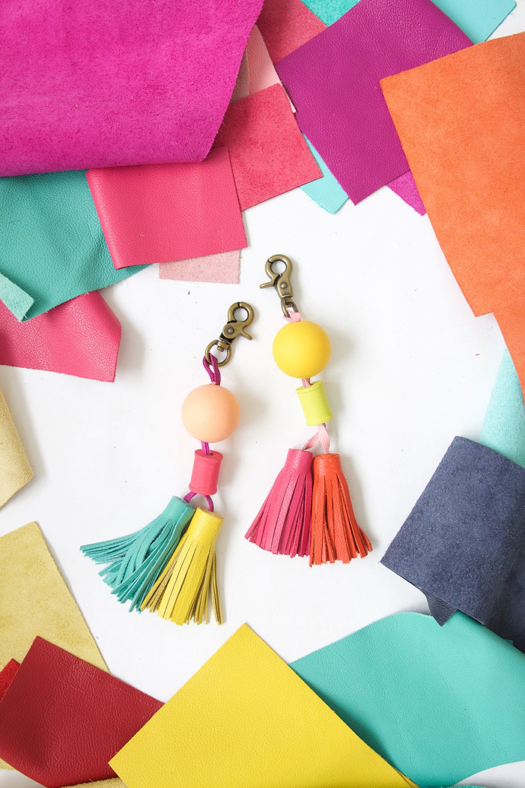 Tassels will never go out of style so why not create these leather and wood bead tassels in just a few steps.Your tote bag will thank you.