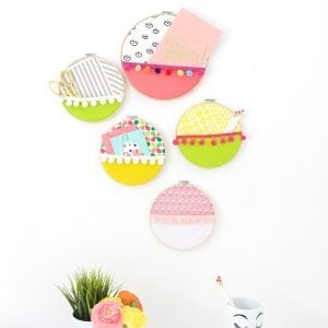 No sewing required for these easy embroidery hoop wall pockets perfectly functional and decorative