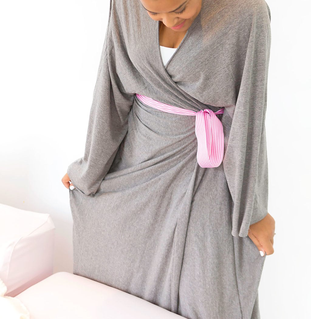 All you need is a cotton jersey bedsheet and some simple sewing to make a cotton jersey robe from a bedsheet. It's so comfy!
