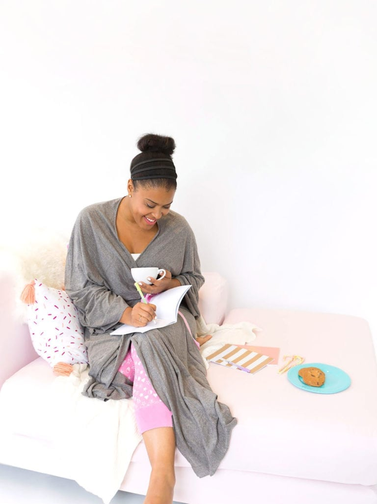 Make a Cotton Jersey Robe from a Bedsheet