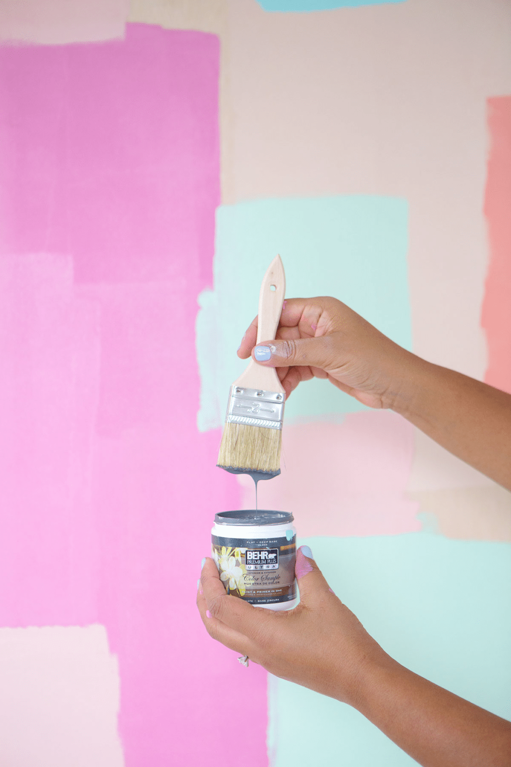 Paint your own mural or paint your own photo backdrops. Either way these Paint Tips for Bloggers will get you excited to up your photography game.