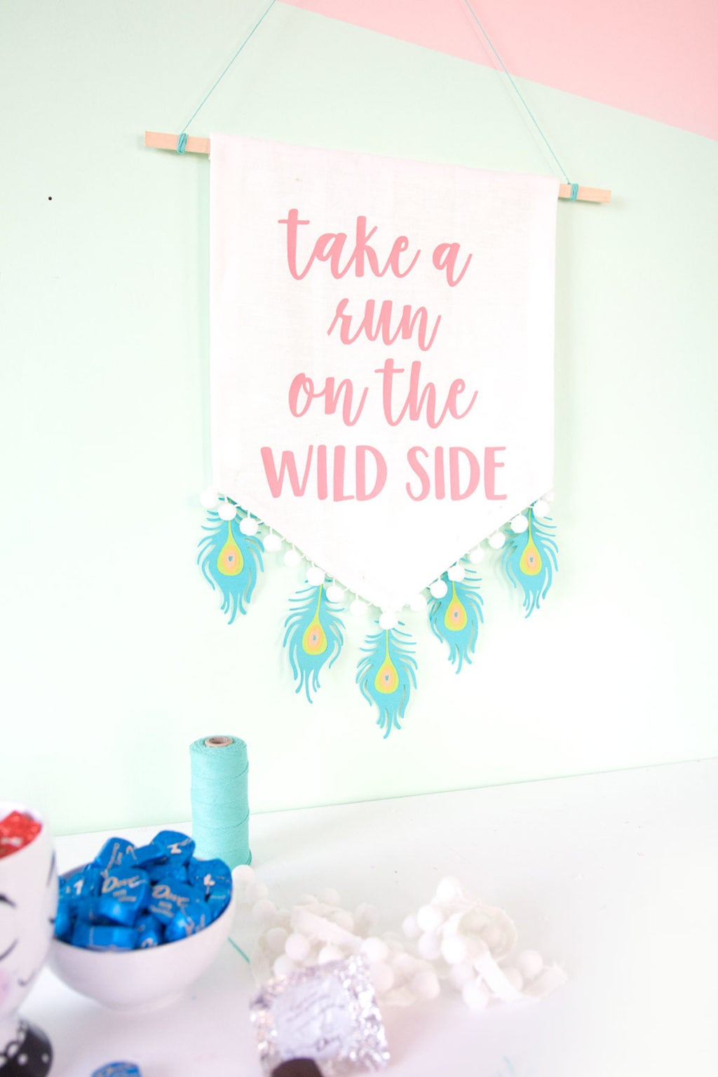 DIY Peacock Feather Wall Art | damask love
