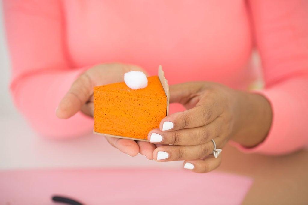 DIY Pumpkin Pie Placecards | damask love
