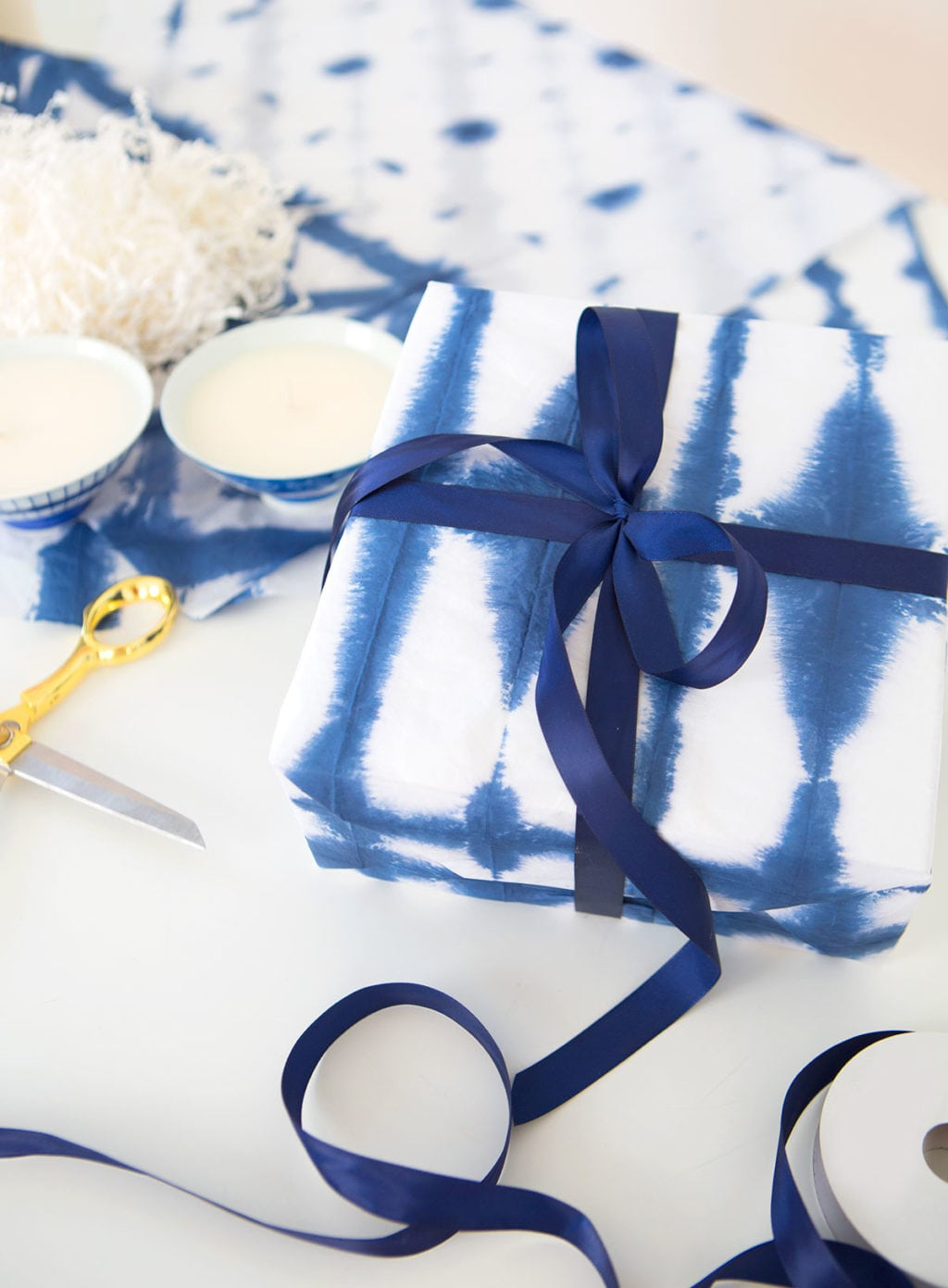 DIY Shibori Tie Dye Wrapping Paper | damask love
