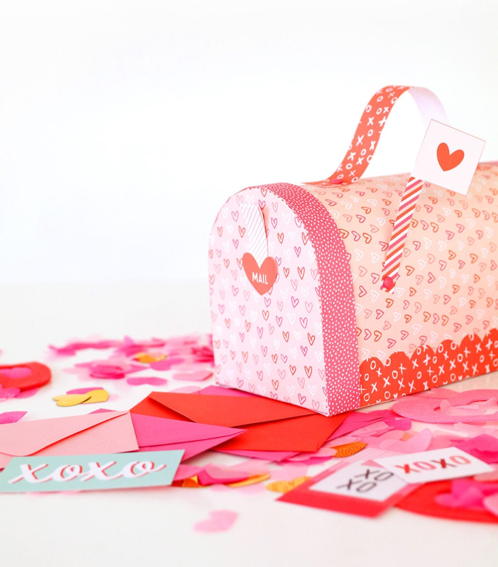 Printable Valentine's Day Mailbox | damask love