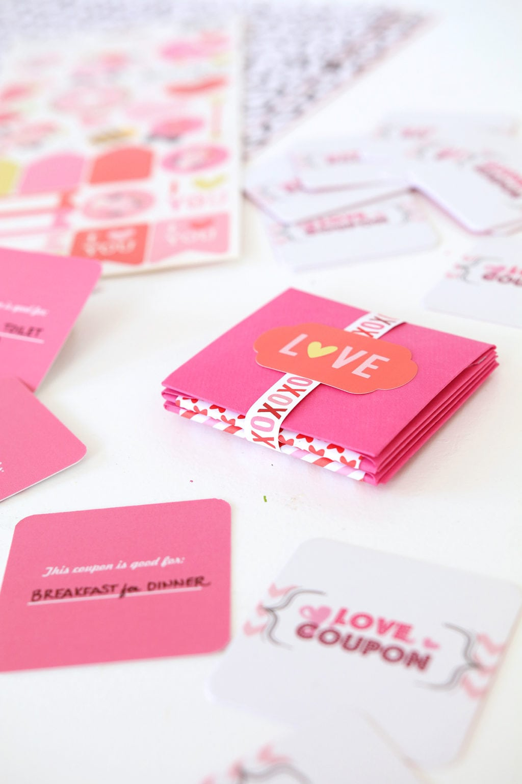 DIY Valentine Coupon Book | damask love