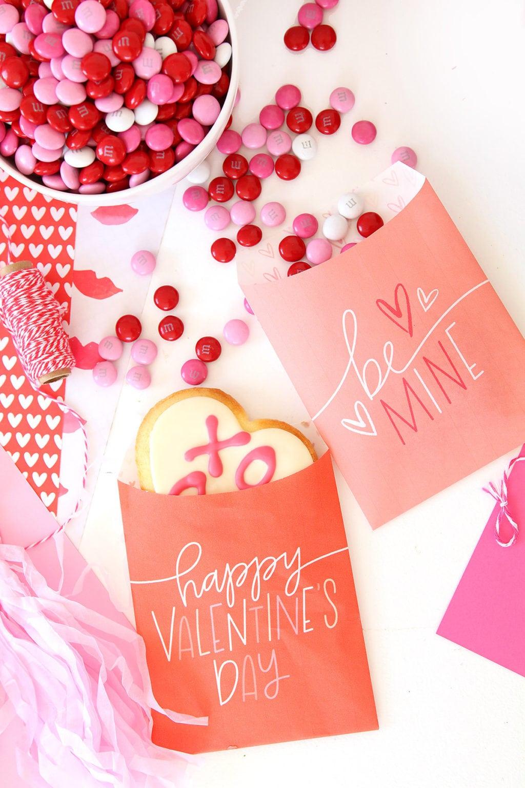 Printable Valentine Freezer Paper Treat Bags | damask love
