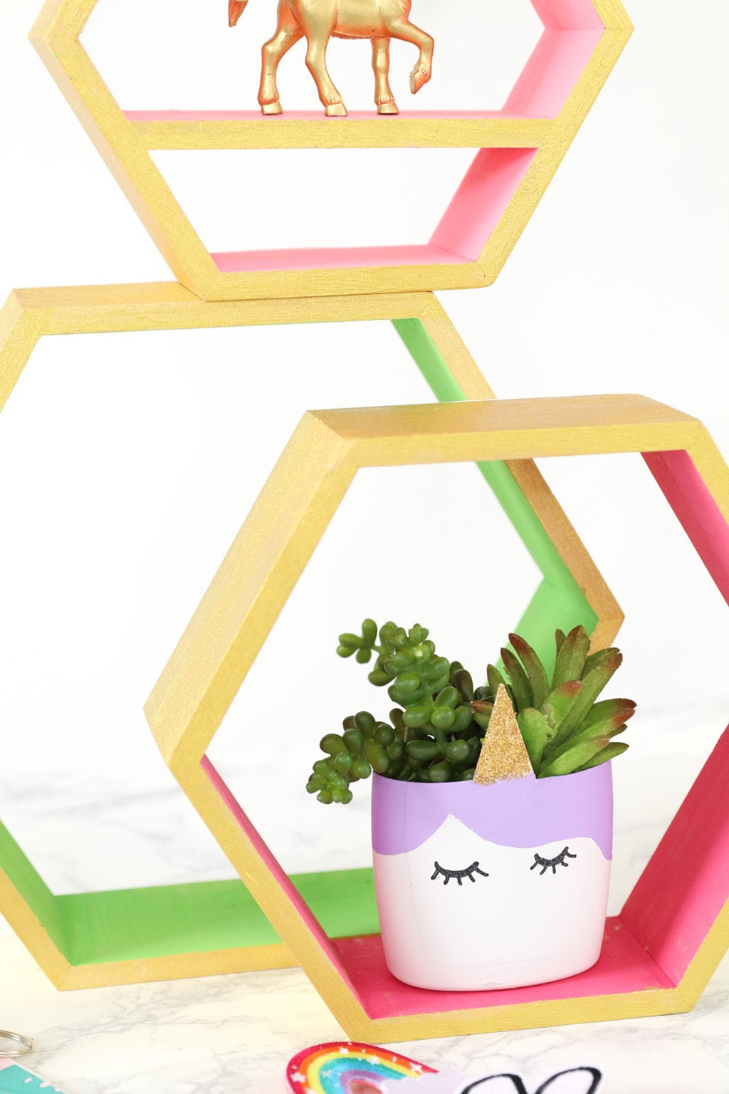 DIY Upcycled Unicorn Planter | damask love
