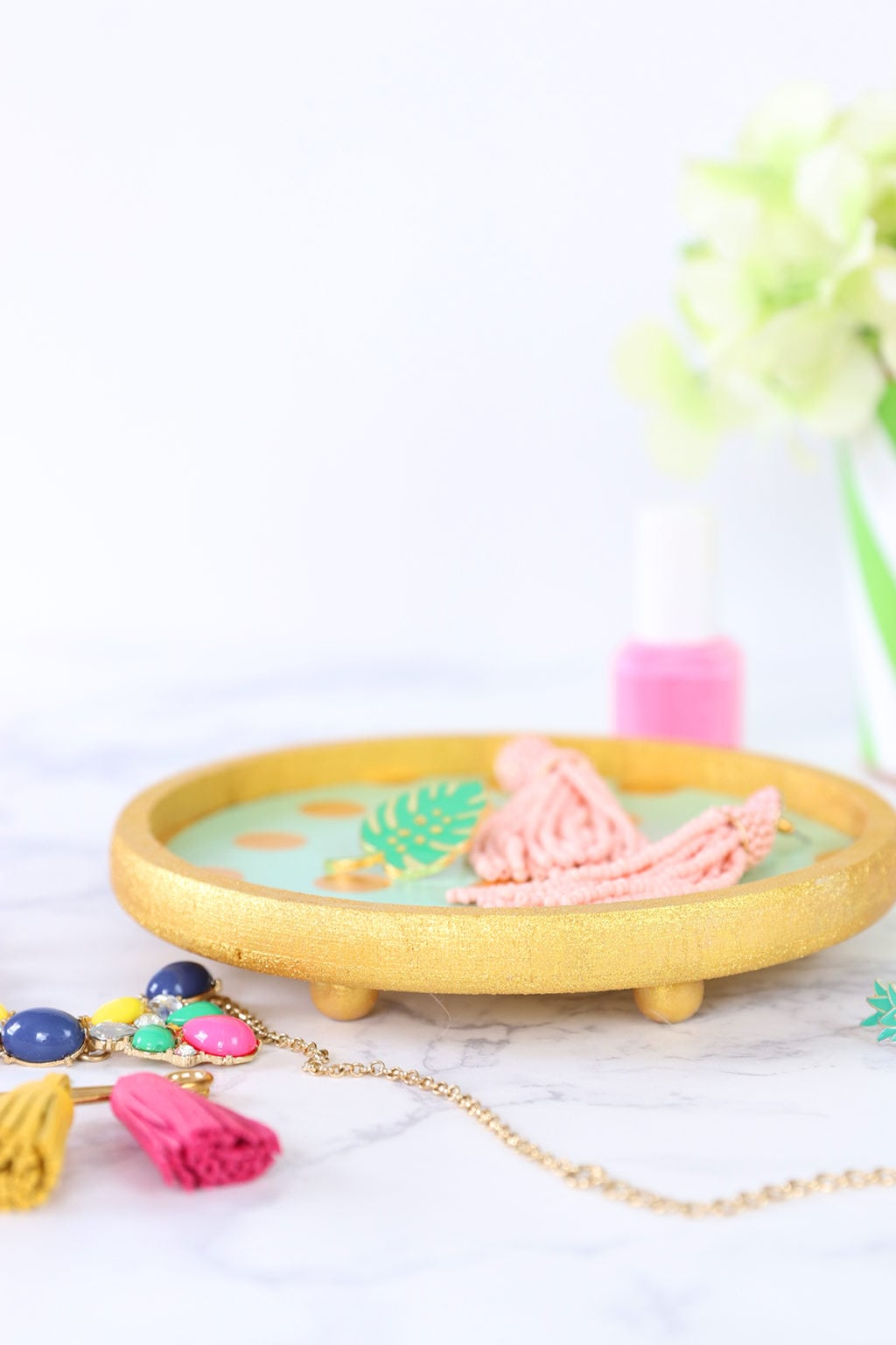 DIY Jewelry Dish with DecoArt Extreme Sheen | damask love