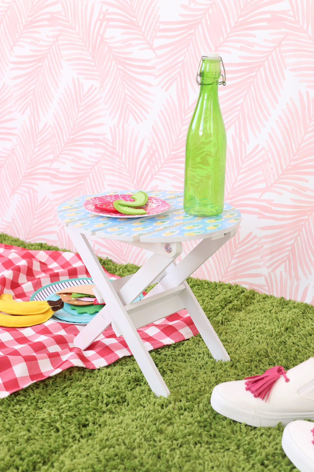 IKEA Hack Mini Picnic Table | damask love