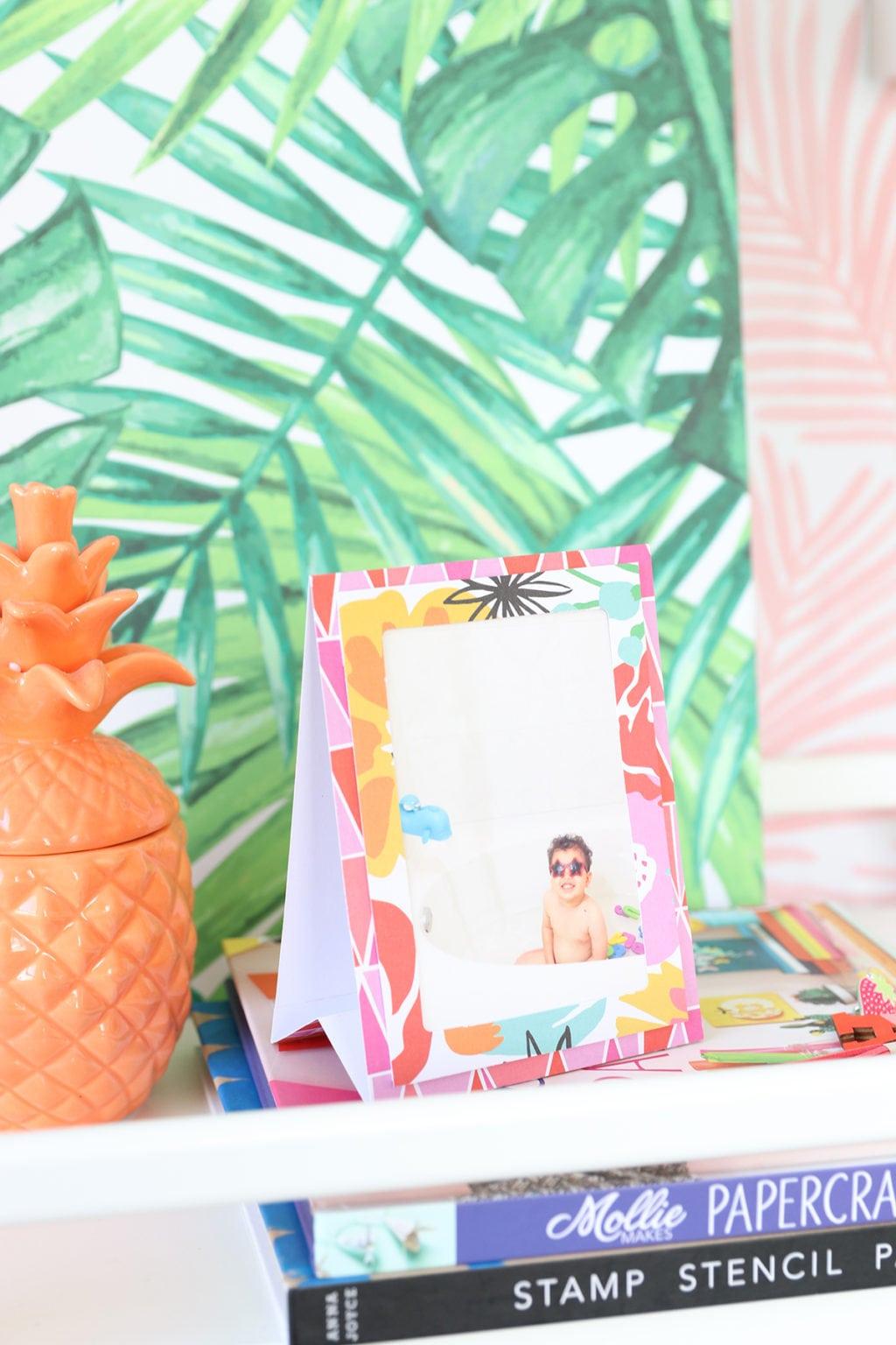 DIY Paper Easel Frames | damask love