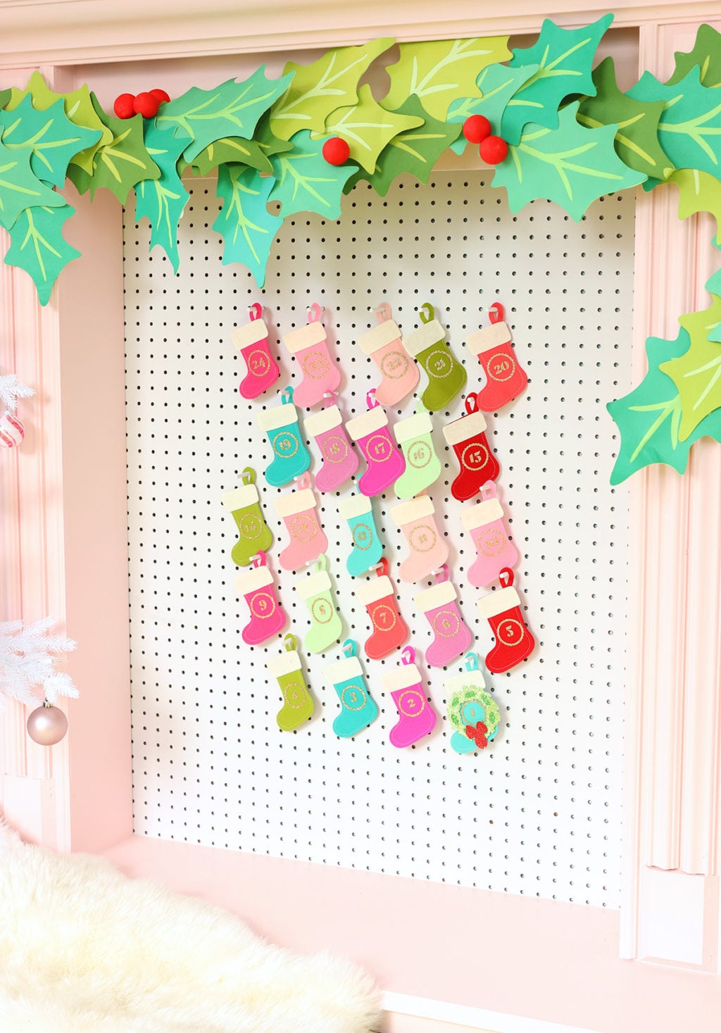 Pegboard Felt Stocking Advent Calendar with Cricut Maker | damask love