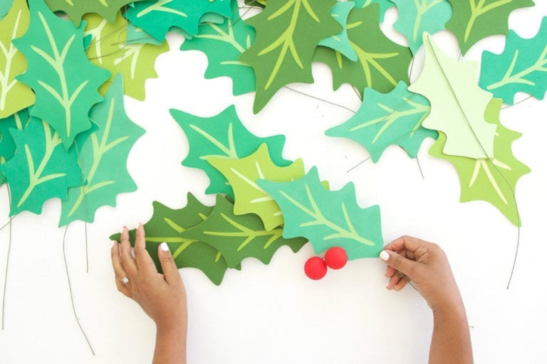 Giant Paper Holly Garland