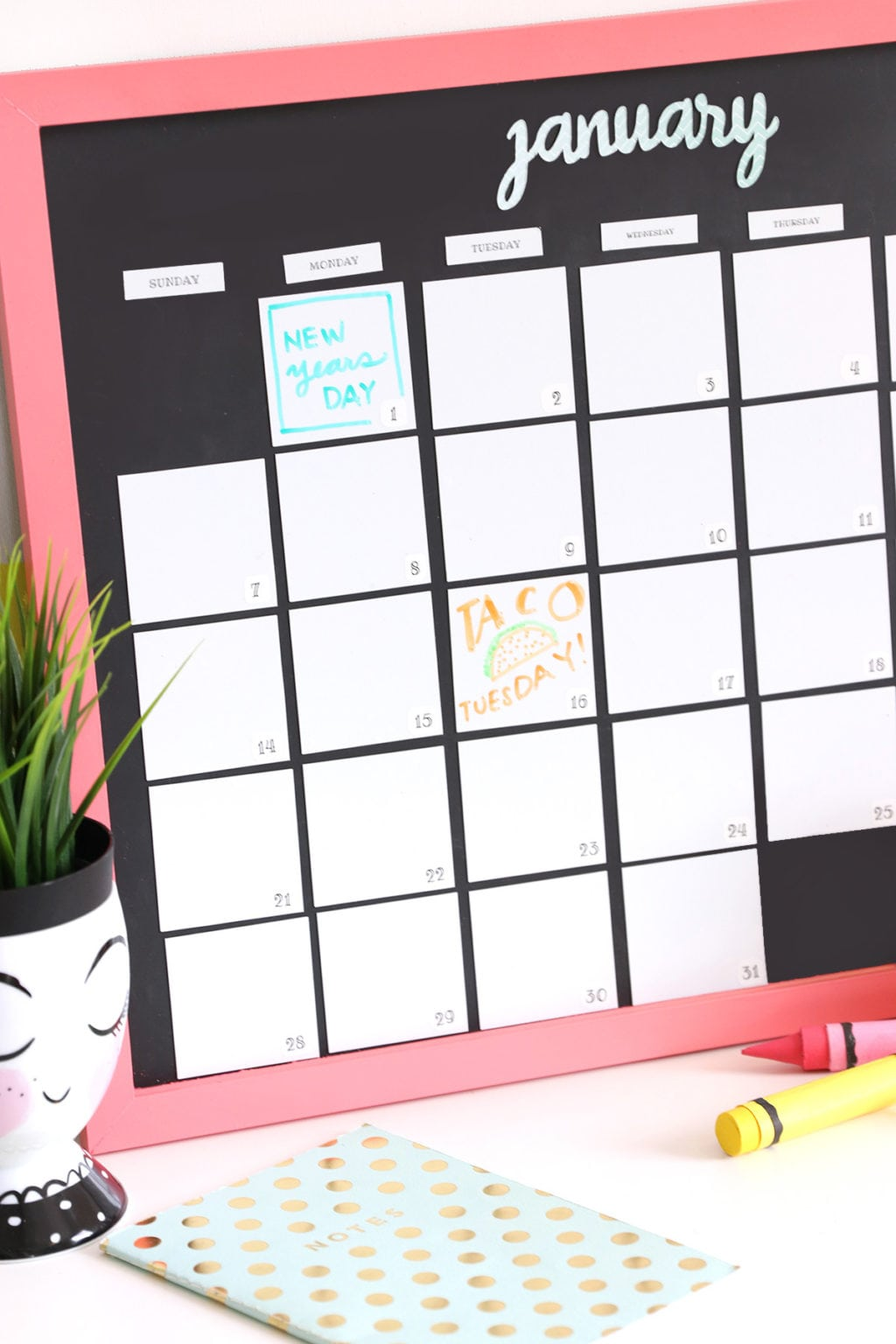Diy Magnetic Whiteboard Calendar With Dymo Mobilelabeler