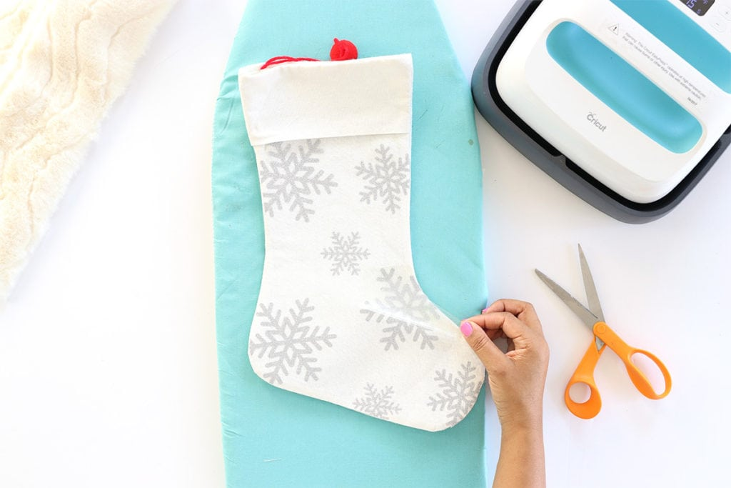Three Ways to Decorate A Stocking | damask love