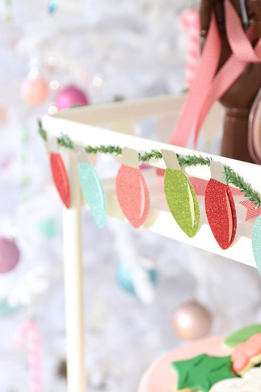 DIY Christmas Lights Garland | damask love
