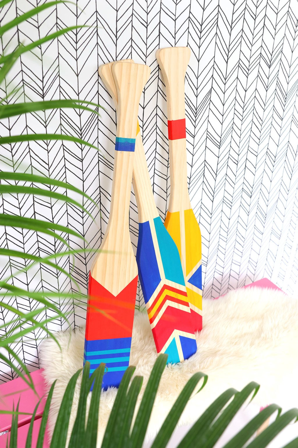 DIY Painted Oars Home Decor | damask love