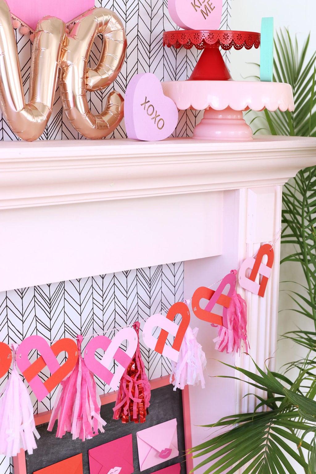 Alphabet Punchboard Heart Banner | Damask Love
