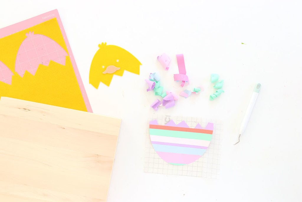 How to Make a Striped Vinyl Easter Egg | damask love