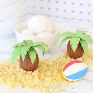 Turn an egg into palm tree with this simple tutorial just in time for your Easter celebration.