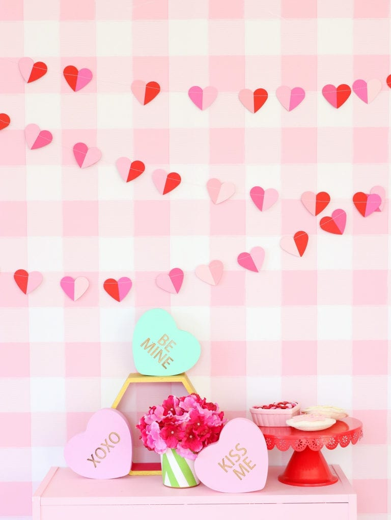 How to Make a Paper Valentine Heart Garland