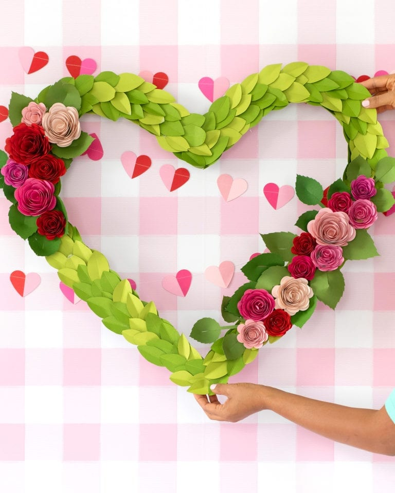 How to Make a Giant Valentine's Day Wreath
